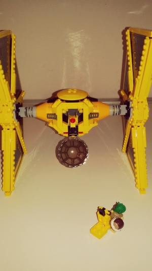 TIE FIGHTER YELLOW MOC