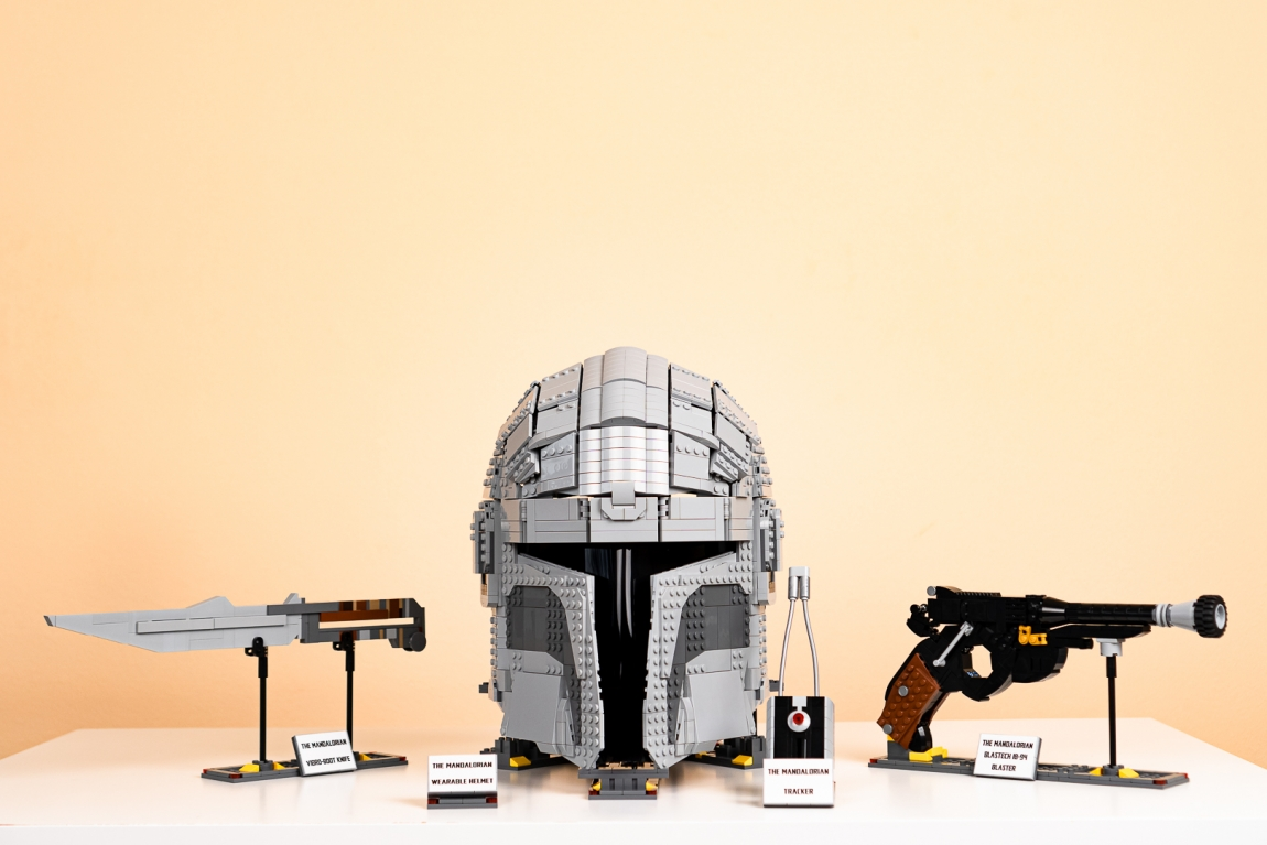 LEGO® The Mandalorian: Wearable Collection
